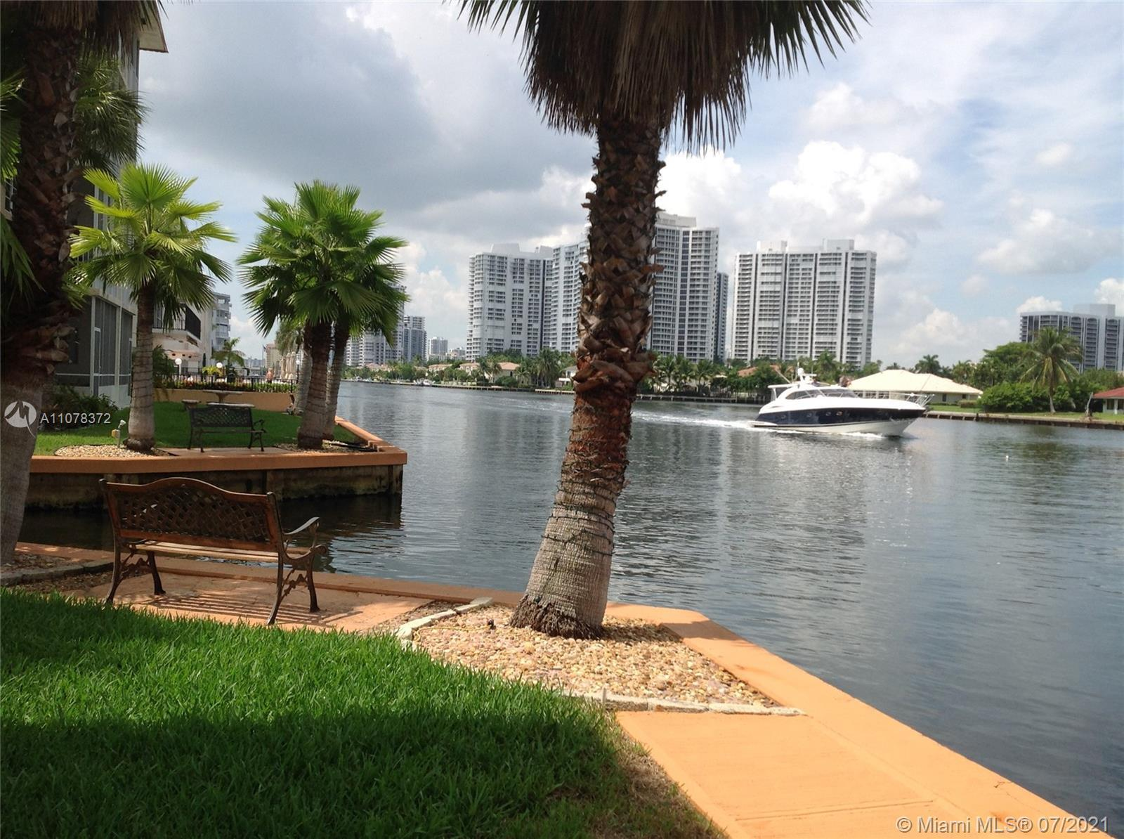 !! Step to the Beach !! Intracoastal waterfront building across the street from Ocean. Direct access