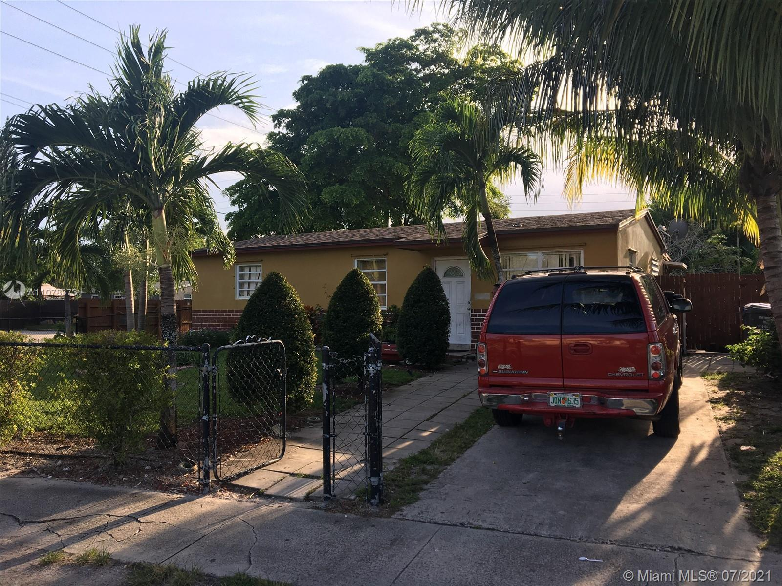 *** FLORIDA LUXURY LIVING AT AN AFFORDABLE PRICE** BEAUTIFUL 4 BED 2 BATH HOUSE  LOCATED NEAR JOHNSO