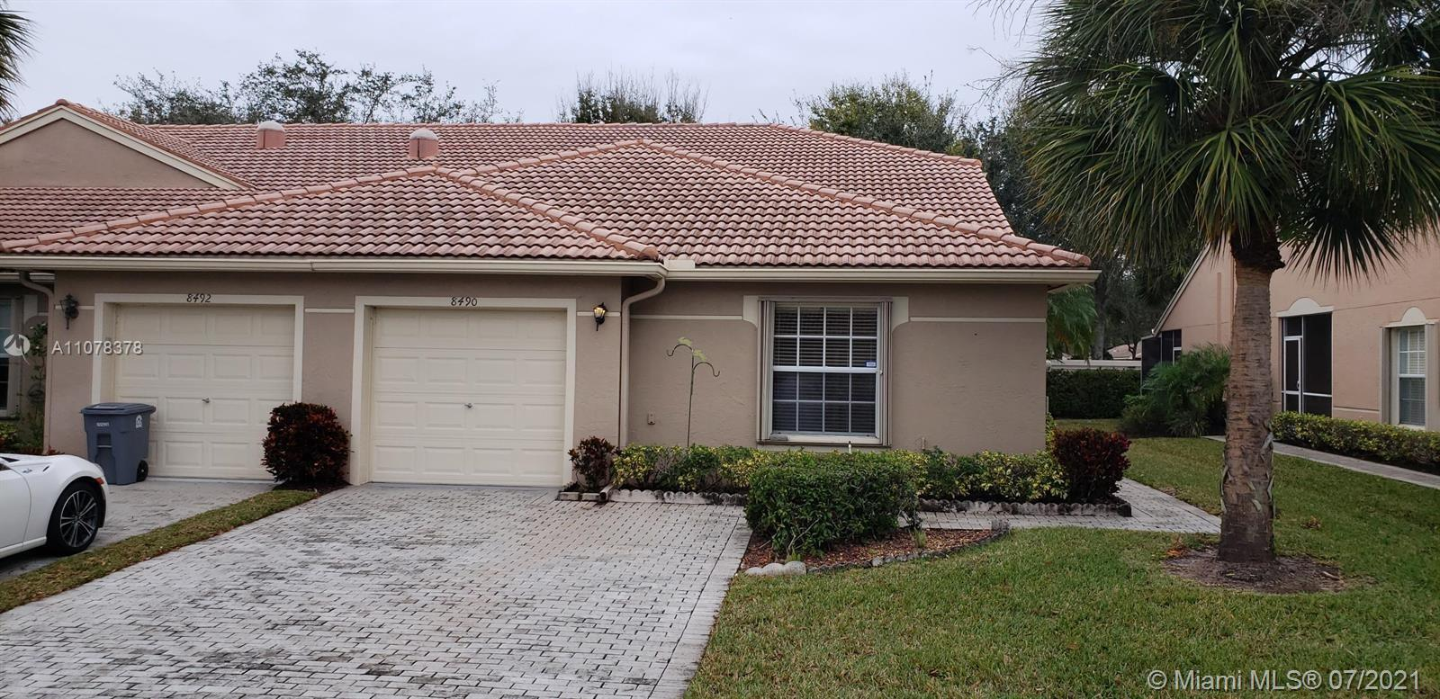 GOLDEN OPPORTUNITY TO OWN THIS 3/2 DARLING BEDROOM CORNR VILLA IN VENETIAN ISLES IN THE HEART OF BOY