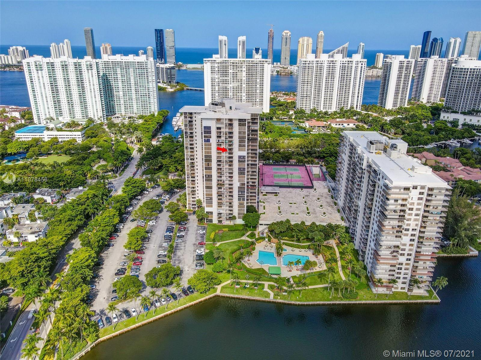 METICULOUSLY KEPT, BRIGHT, 2 BEDROOMS, 2 BATHS UPDATED AVENTURA CONDO! PICTURESQUE & INSPIRING BAY V