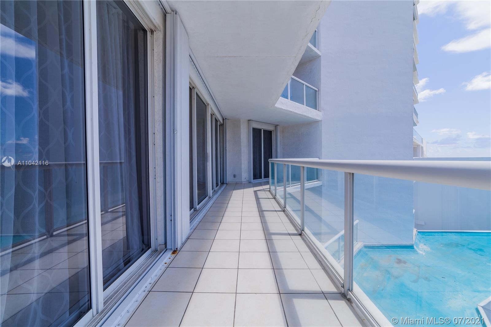 VERY NICE 2 BEDROOM AND DEN CONDO RIGHT ON THE OCEAN, INTRACOASTAL AND OCEAN VIEWS, VERY SPACIOUS. G