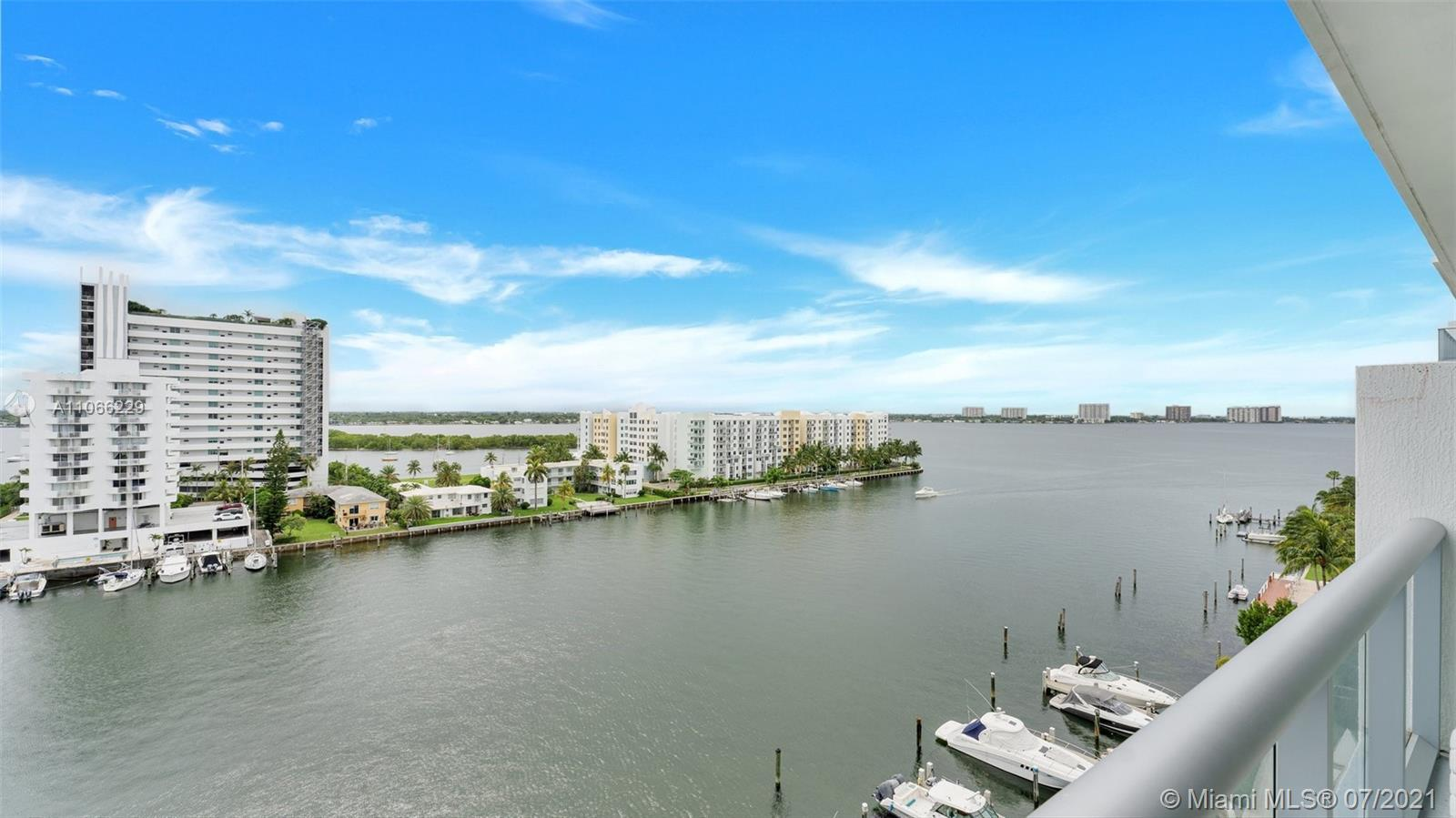 Truly spectacular 2 bedrooms, 2,5 bathrooms, hight ceilings,  with unobstructed views of Miami's sky