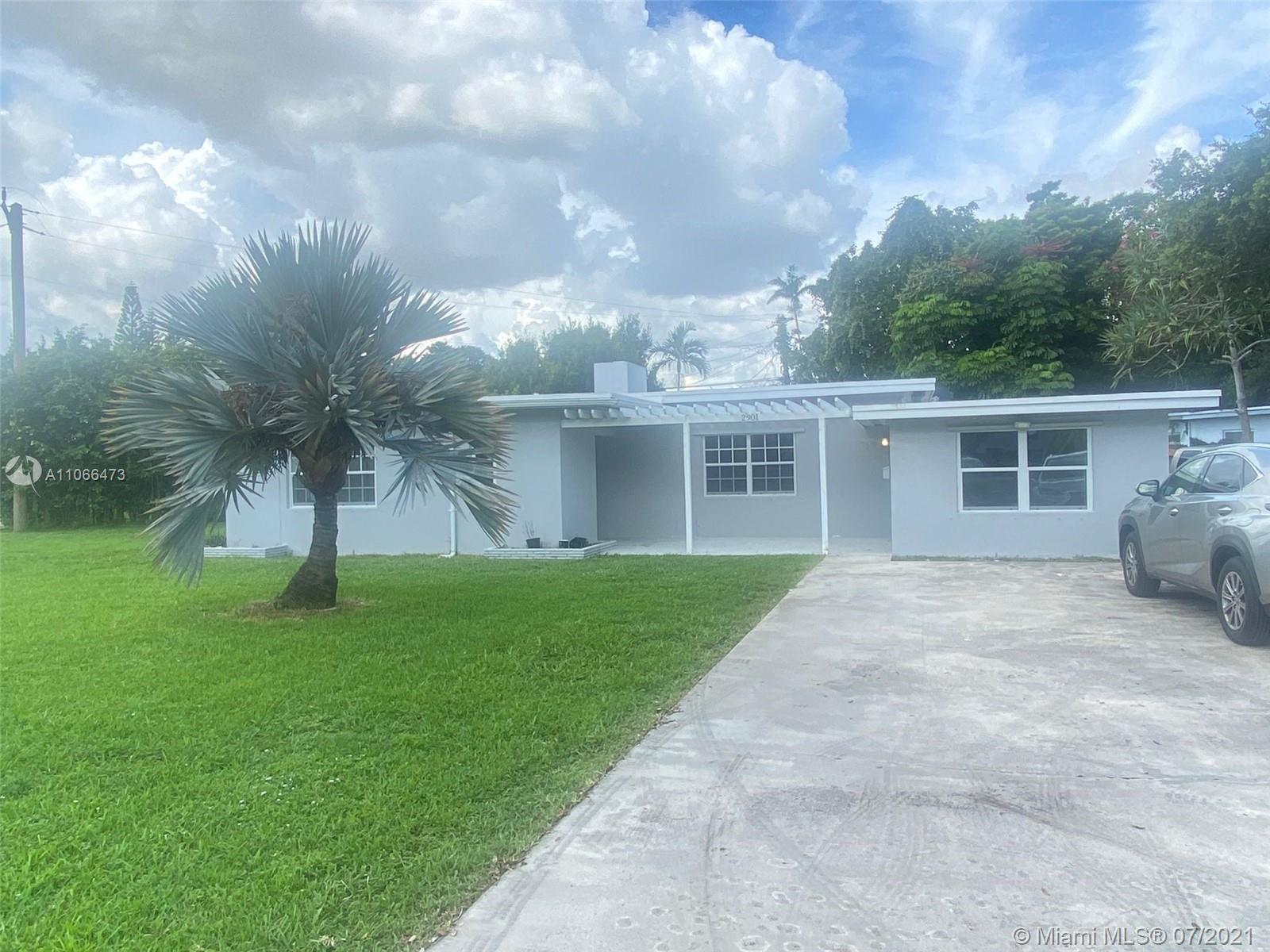 Newly remodeled 2 Units single family home close to Las Olas Beach and Broward downtown. House is di