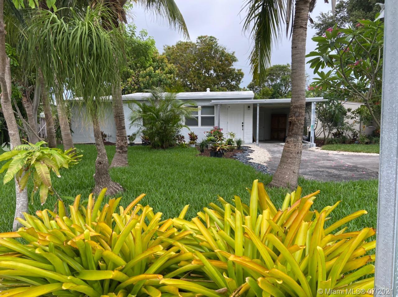 Fully remodeled 2/2 home in a large corner lot, located only 5 minutes from the beach. Upgrades incl