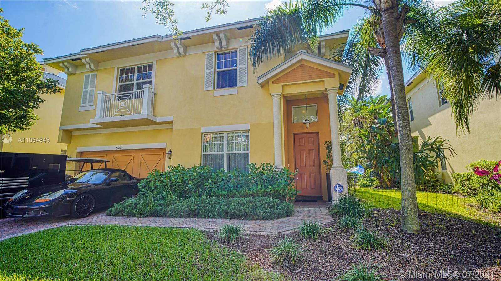 Absolutely gorgeous house, 4 bedroom 2 and a half baths, shows like a model. High ceilings, open flo