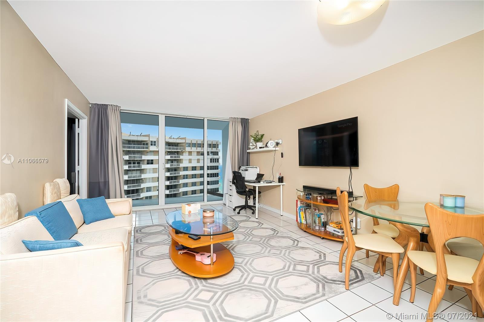 Amazing one bedroom rented unit in luxury Parker Plaza!! At this time family member is paying $1350,