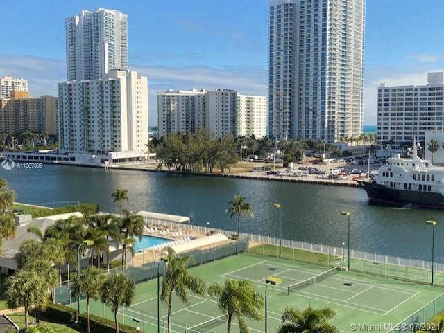Beautiful intracoastal water views from this tastefully remodeled condo ( no popcorn ceiling). Porce