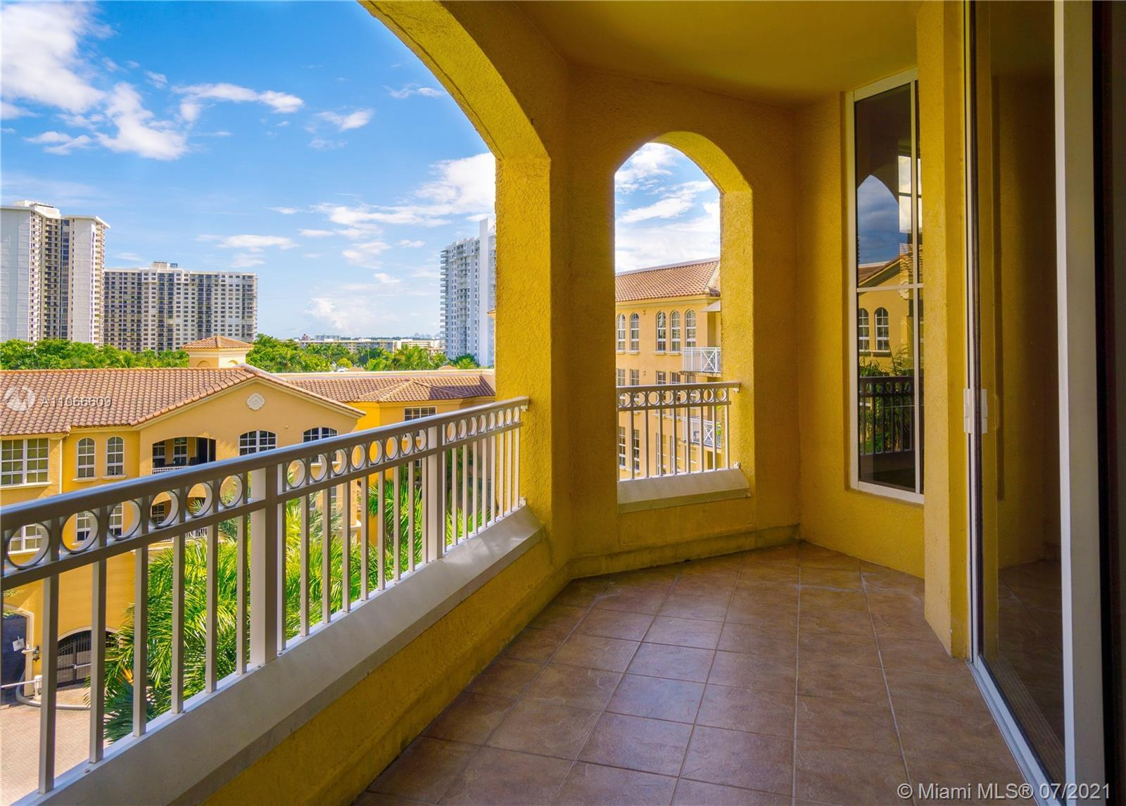 Spectacular & renovated property with a unique exposure, located in the heart of Aventura w/an open