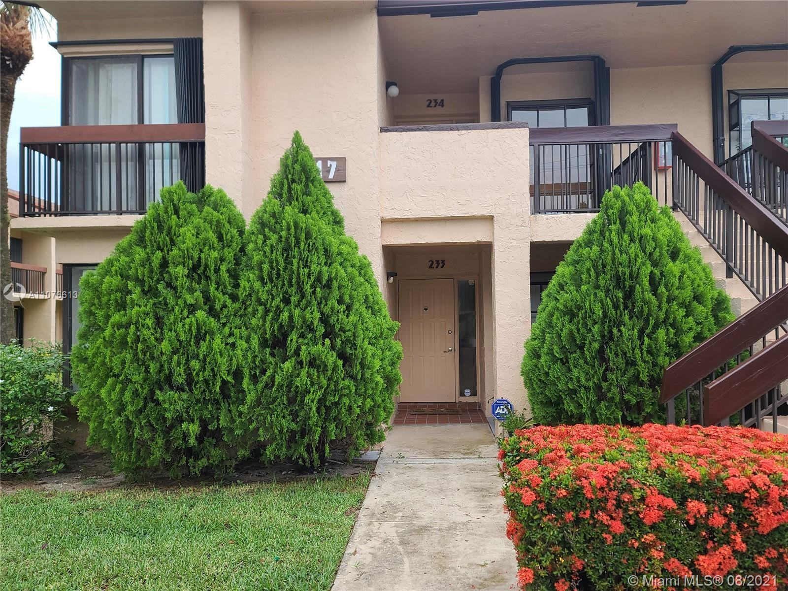Beautiful 1st Floor Corner Unit in a great neighborhood, laminate floor throughout, Washer and Dryer