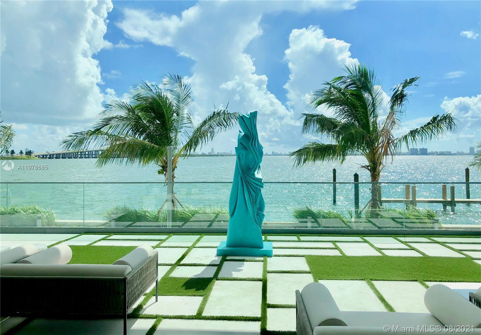 This brand new unit, in the exclusive ONE PARAISO with PRIVATE ELEVATOR and interiors by Piero Lisso