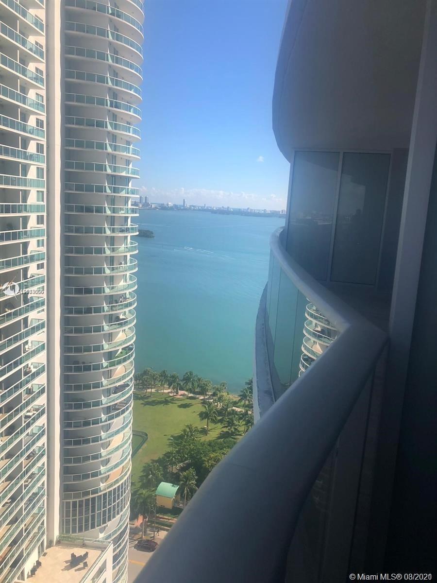 BEAUTIFUL 2 / 2.5 APARTMENT IN LUXURY ARIA ON THE BAY. GREAT VIEW FROM MIAMI. GREAT AMENITIES IN THE