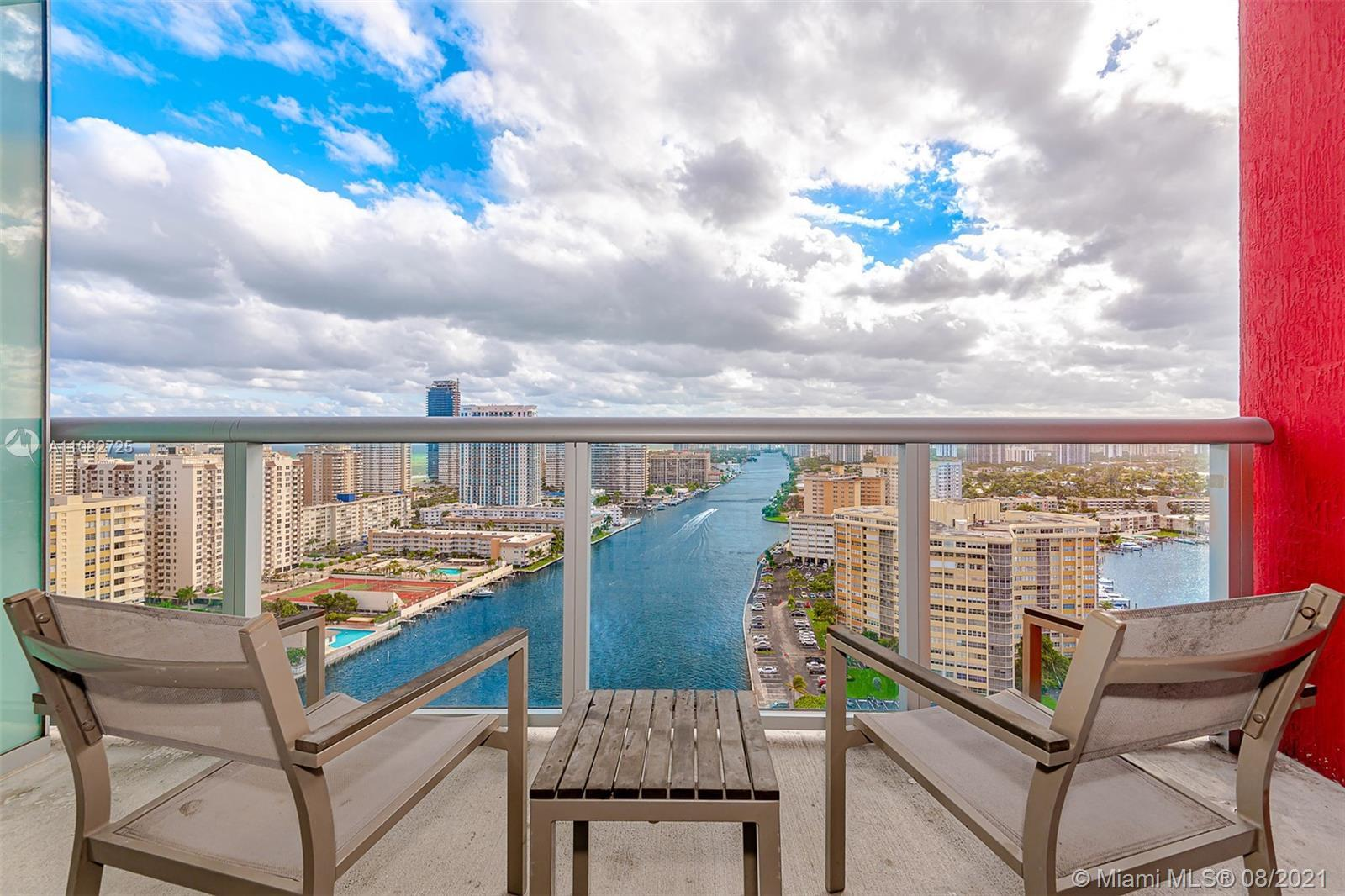 Amazing Apartment 2 Bedroom and 2 Bathroom Unit with South Views to Ocean and Intracoastal in a Full