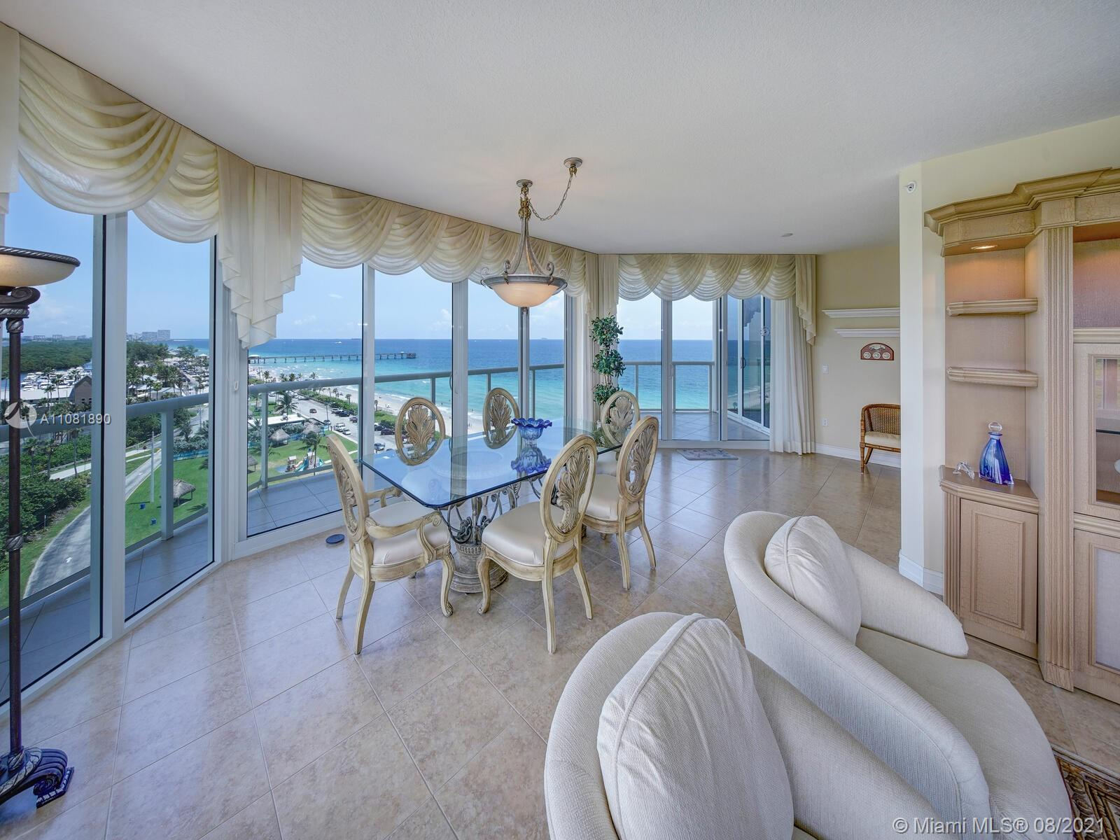 This impressive pristine 2,350 sf 3 bedroom, 2.5 bathroom unit is a spectacular circular residence i