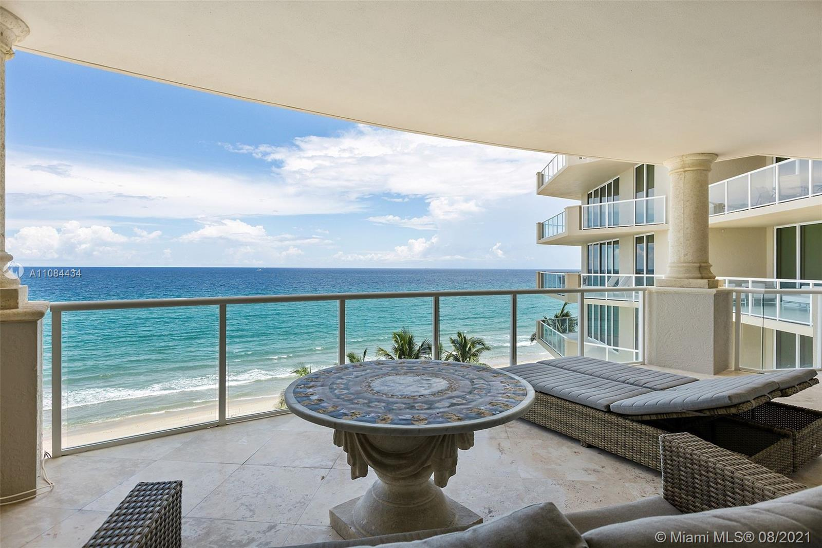 This stunning unit offers pristine ocean views to the east complemented by illuminating Intracoastal