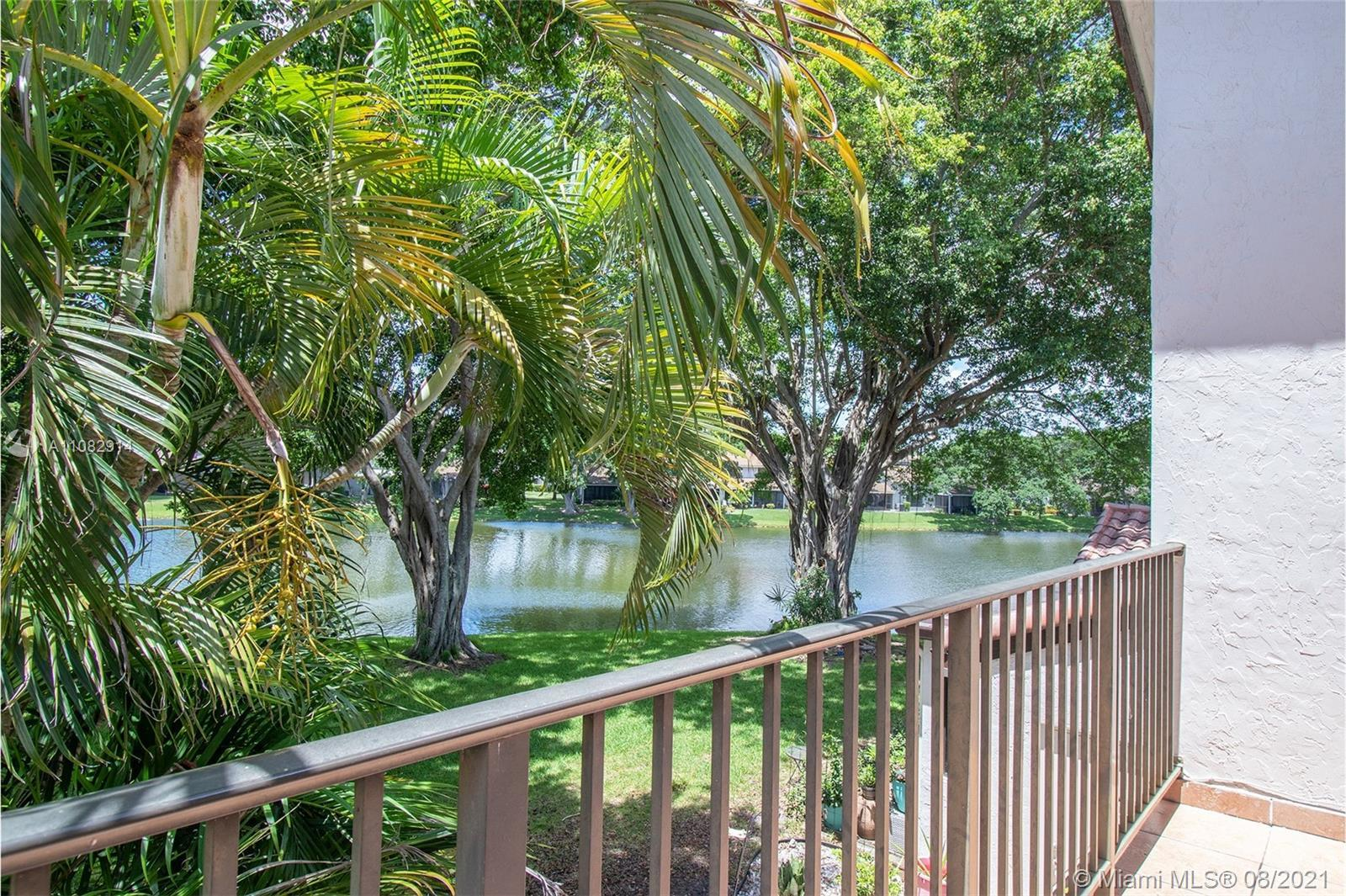 The Lakes Of Deer Creek. Large townhouse for sale,3 beds 3 1/2 baths, 1,800sf.hurricane impact windo