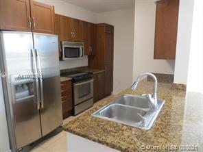 Perfect location to enjoy Florida living!!!! Bright and cozy apartment at an incredible price, perfe