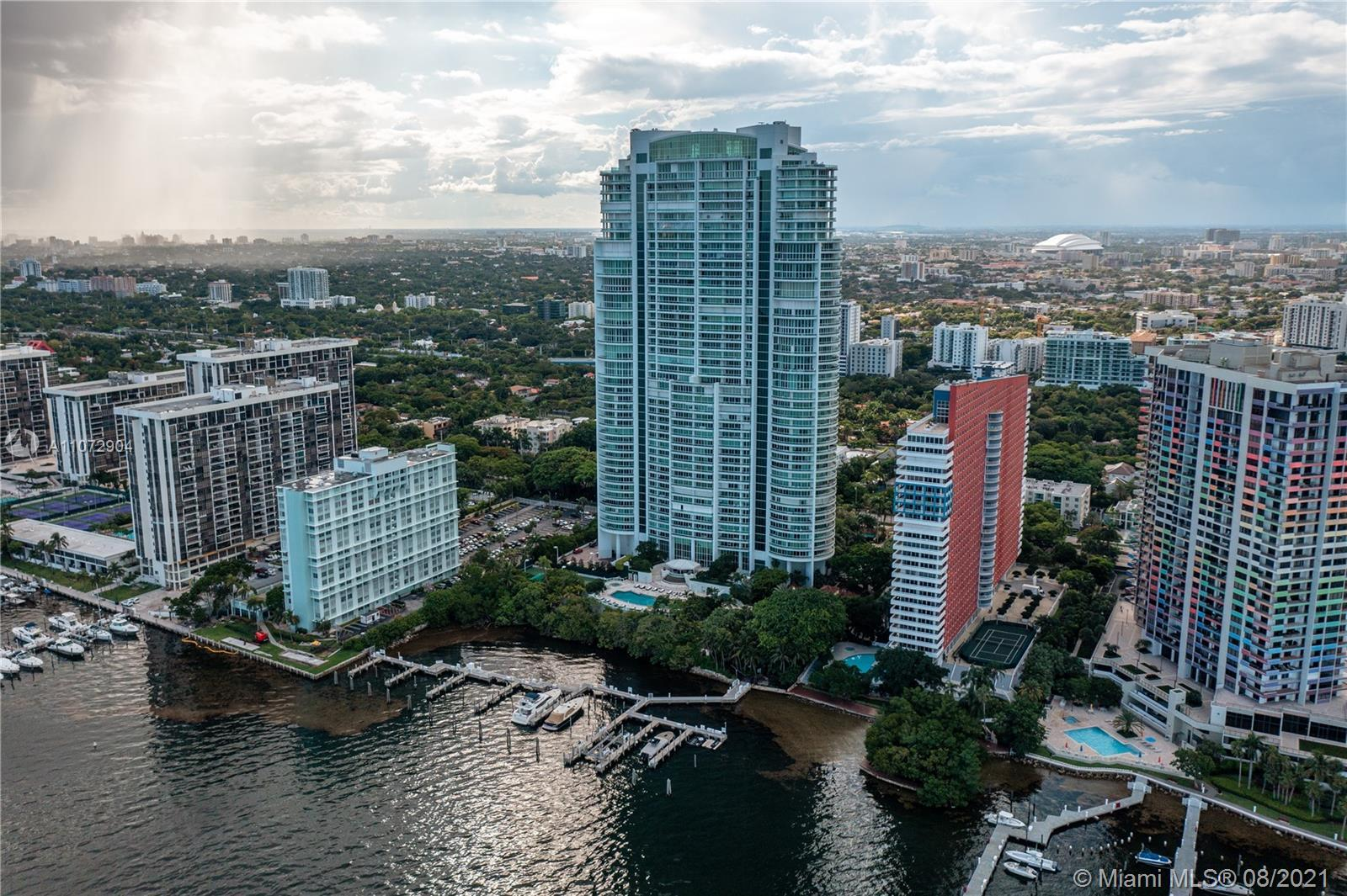 Enjoy the most exclusive address on Brickell Avenue at the internationally known Santa Maria! At jus
