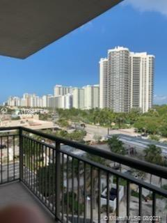 Spacious Bright 2/2, with Large Open Balcony. Beautiful sunrise and sunsets! The condo has been Comp