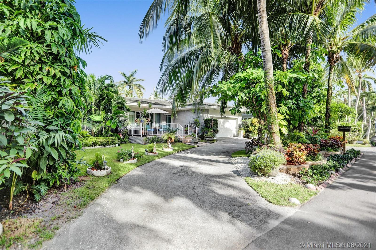 Awesome North Bay Island Home! This private gated island is located minutes to Miami Beach, Bal Harb