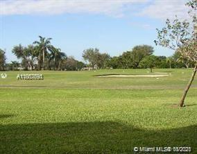 SPECTACULAR GOLF AND SUNSET VIEWS FROM THIS SPACIOUS, LIGHT AND BRIGHT, SPLIT 2BED/2BA PLUS DEN PH U