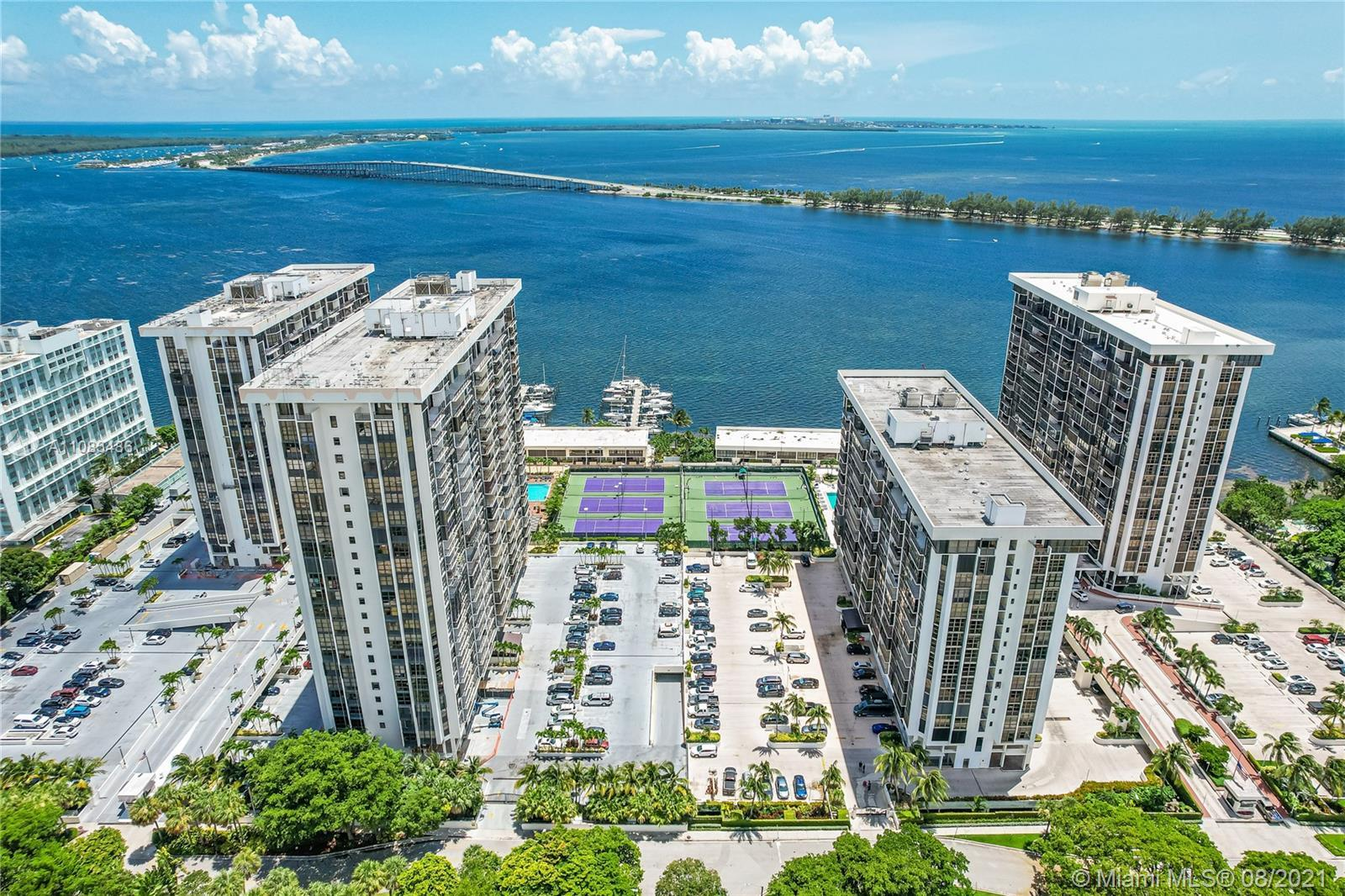 THIS SPECTACULAR PENTHOUSE, IN THE HEART OF MIAMI'S BRICKELL AVENUE, IS FOR SALE TOGETHER WITH 2 SID