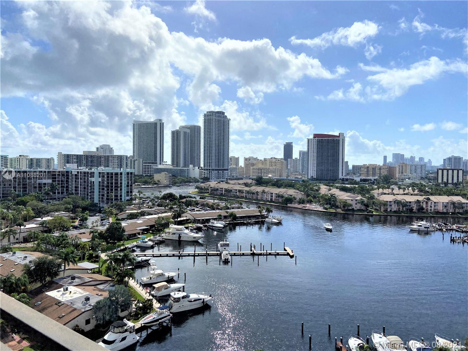 Spectacular 2 bedrooms, 2 bathroom, open and spacious, spectacular view of open intra coastal, ocean