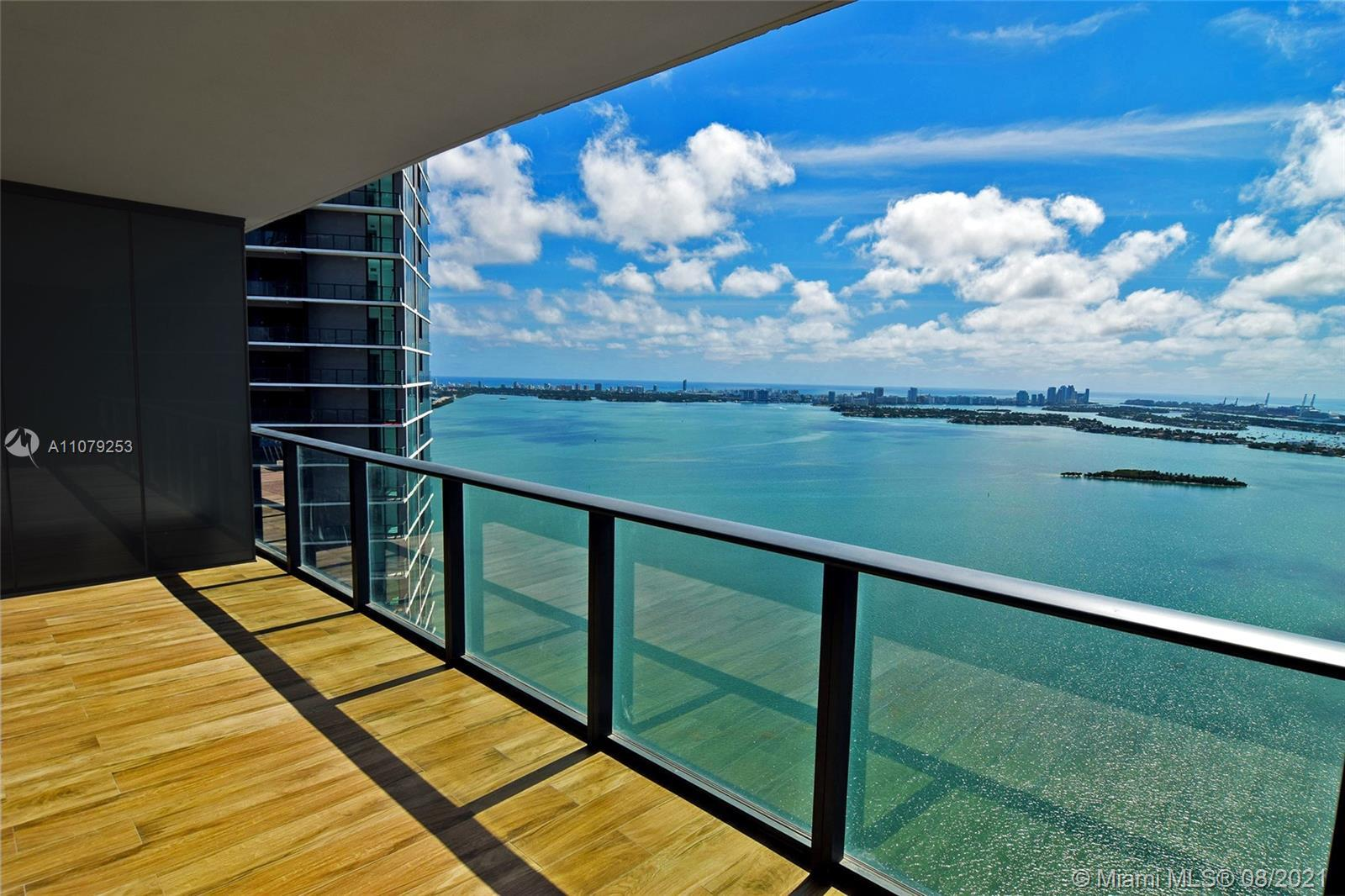 Luxurious high floor 2 Bed+Den/2.5 Bath at Paraiso Bay with endless direct views to Biscayne Bay up