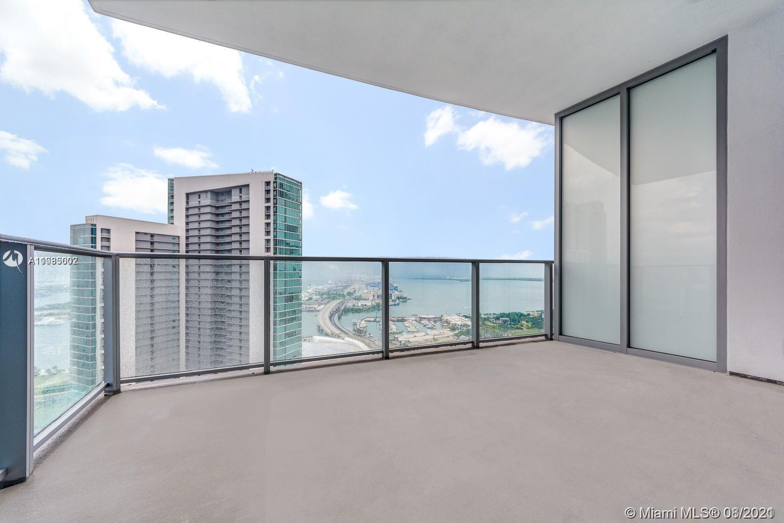 Luxury residence 2 beds +den/3 baths at Paramount Miami Worldcenter offering the Most amenities in t