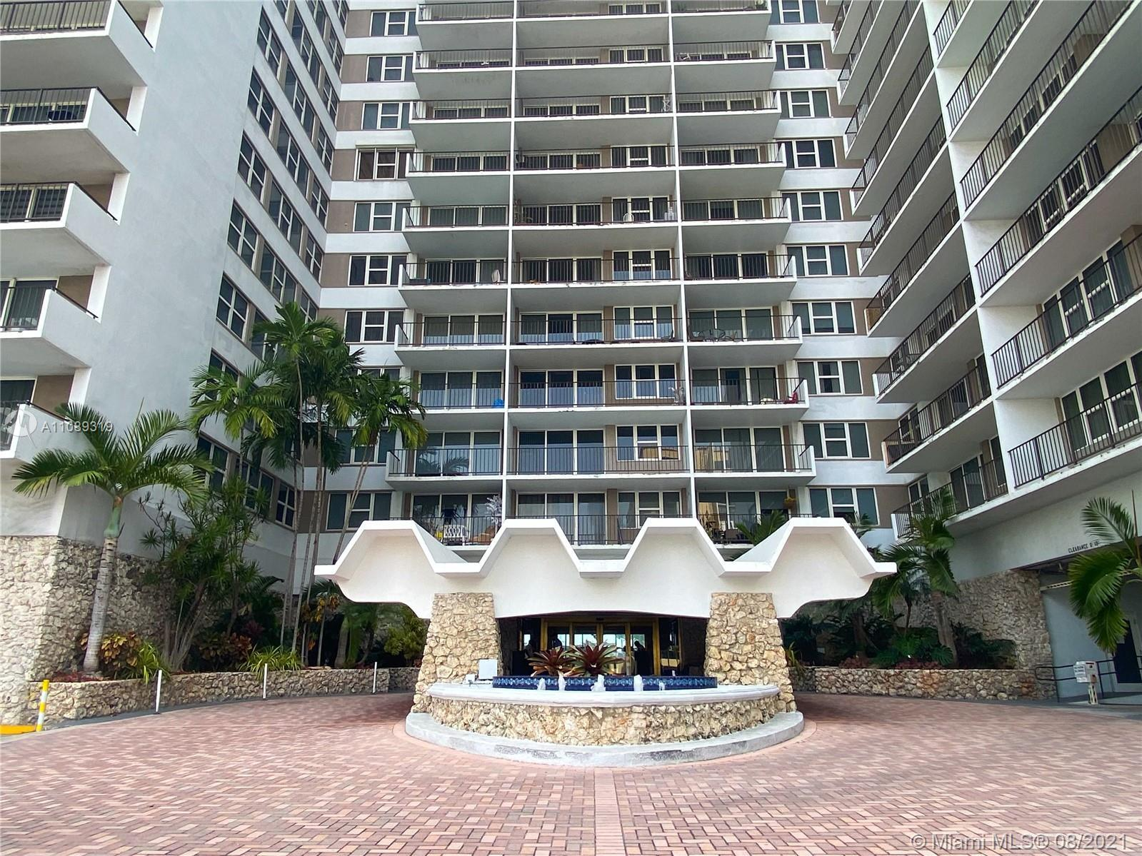 If you are looking for an excellent Beachfront investment opportunity , do not miss this cozy and we