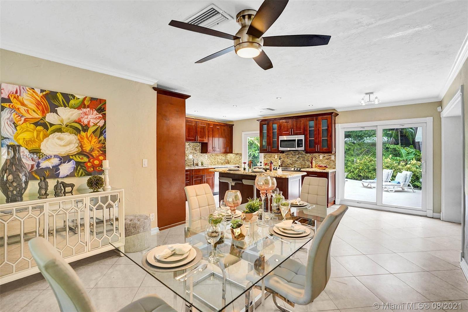 """A """"Tropical Private Retreat"""" in E. Wilton Manors 3 bedrooms 1-1/2 baths,(half bath can easily be con"""