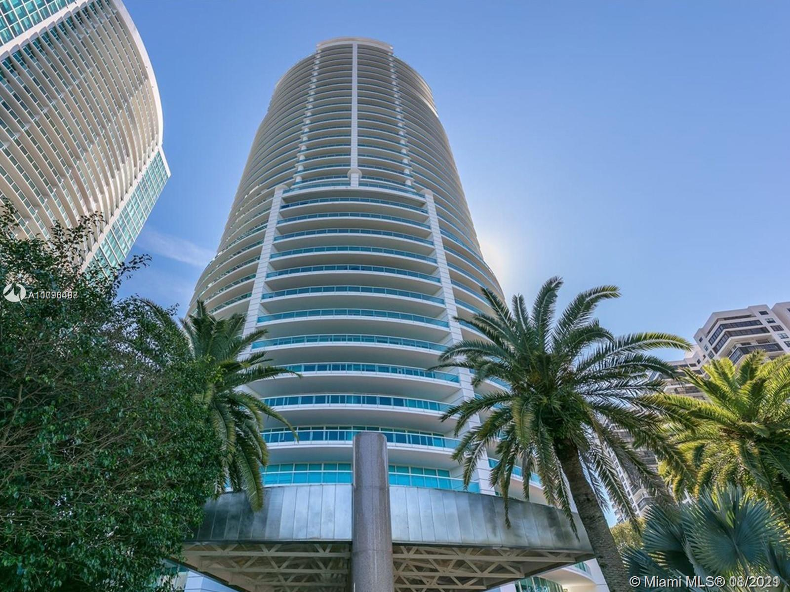Enjoy the quality of this Ugo Colombo signature tower. Architect was Luis Revuelta who has designed