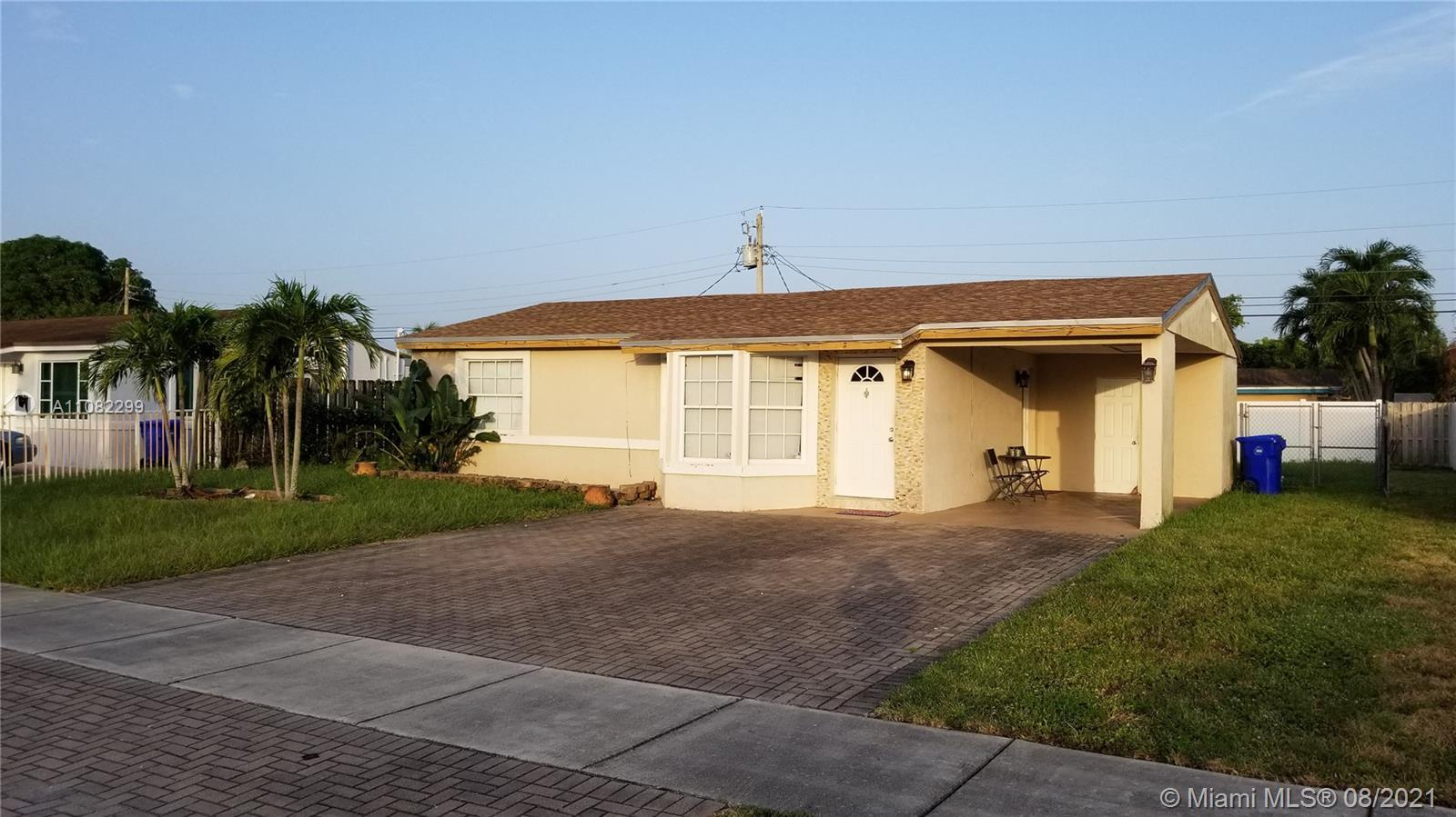 FIRST TIME HOMEBUYERS, investors HURRY! Perfect home for a family or to rent it out., UPDATED floors