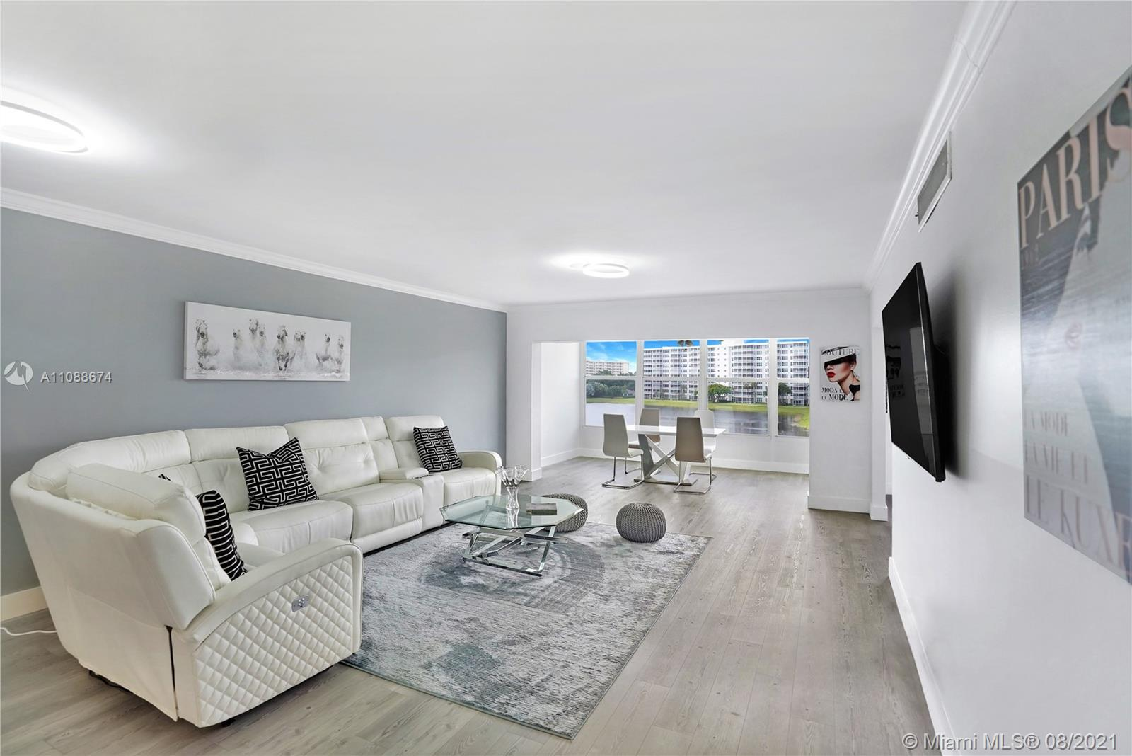 Beautiful spacious condo, all rooms and kitchen are fully remodeled with a priceless view, very well