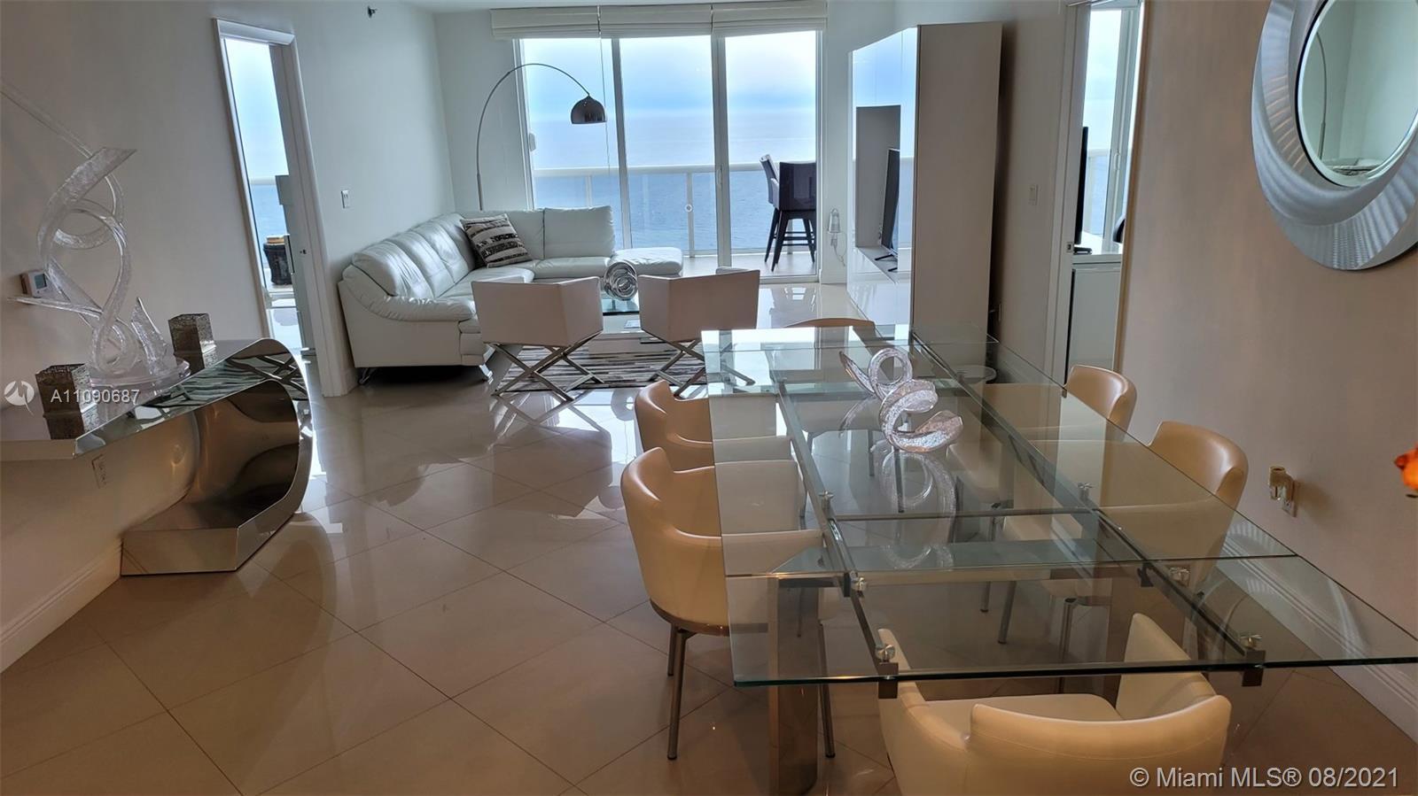 very nice 3 bed 3 bath in Hallandale , beach club condo 3 , 32 floor direct ocean view, tile all thr