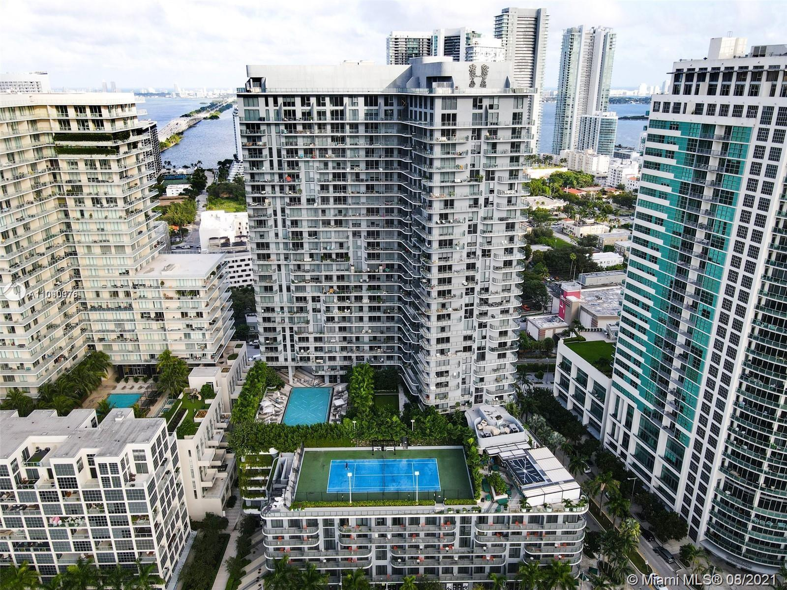 This amazing 1 bedroom Hyde Midtown unit has a great layout and a large balcony. This building allow