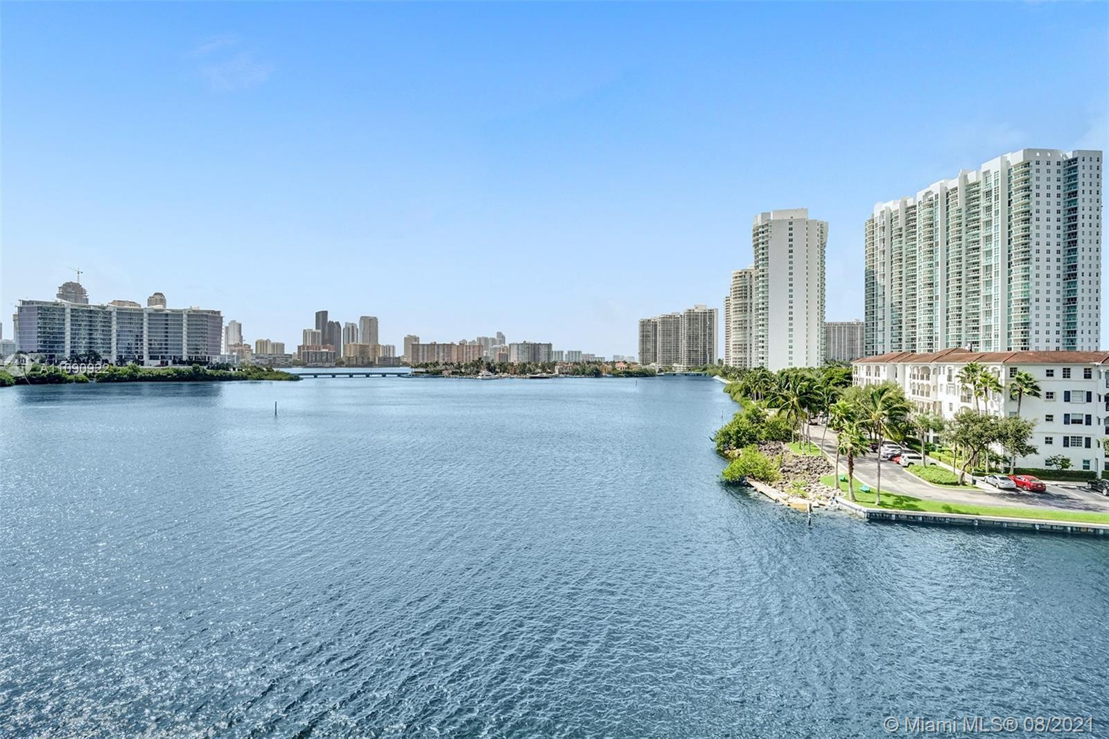 Spectacular 4BD/4.5BA unit at Echo Aventura. Highlights of this flow-thru residence are private elev