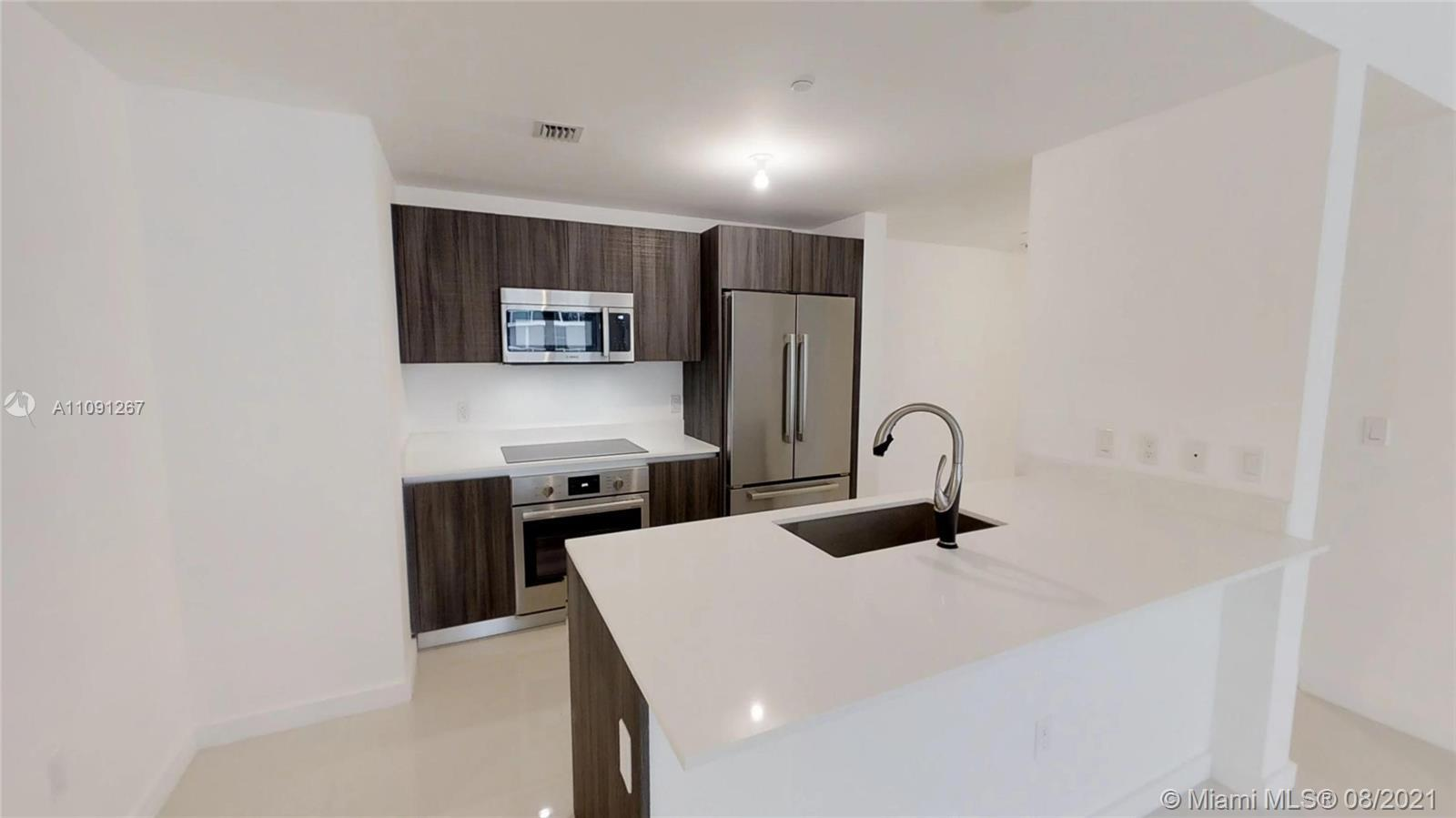 UNIT WITH PRIVATE ELEVATOR, 2 BED + DEN & 3 BA, 1,681 sq/ft (TOTAL AREA). OVERSIZED BALCONY WITH PA