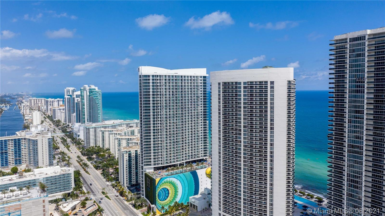 Breathtaking intracoastal and city views awaits you from this 2 Bed + Den/3 Baths. 1,571 Sq. Ft unit