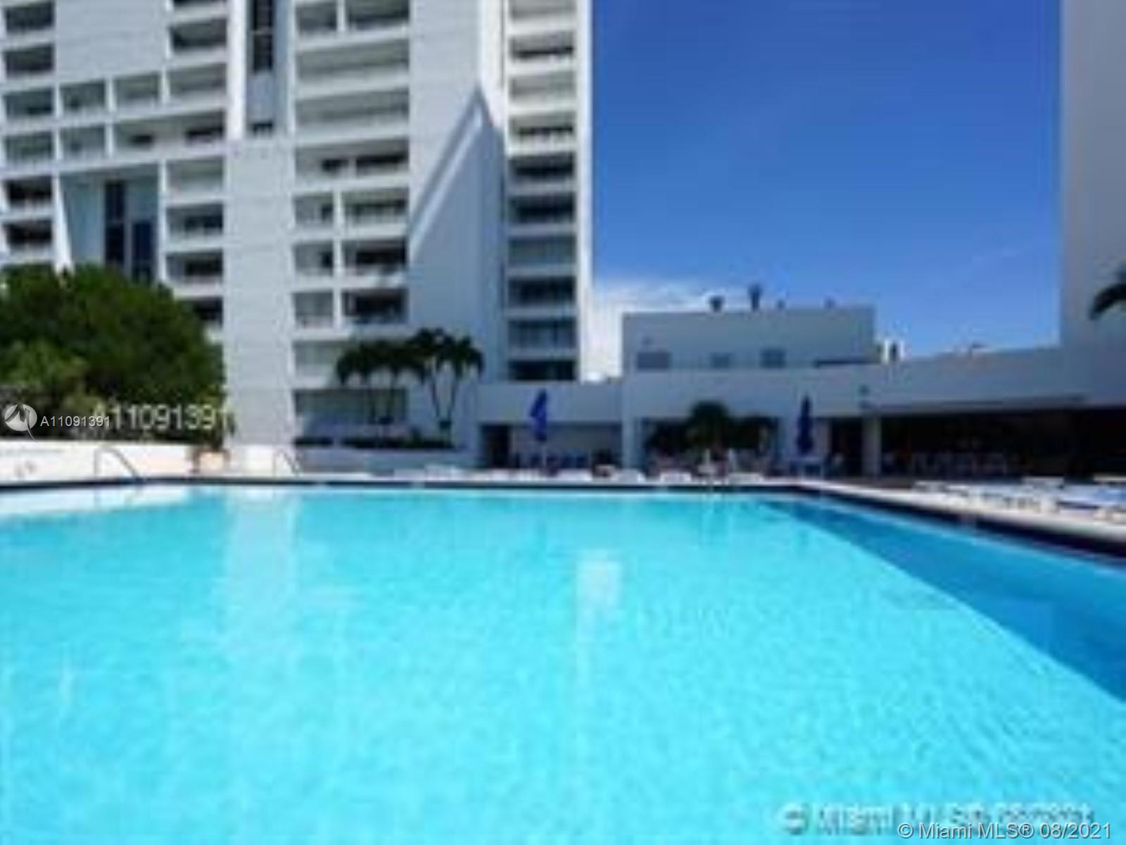 ULTIMATE #MIAMI #LIFESTYLE, DELVISTA CONDO IS SURROUNDED WORLD FAMOUSE #TURNBERRY #GOLF COURSE (HUGE