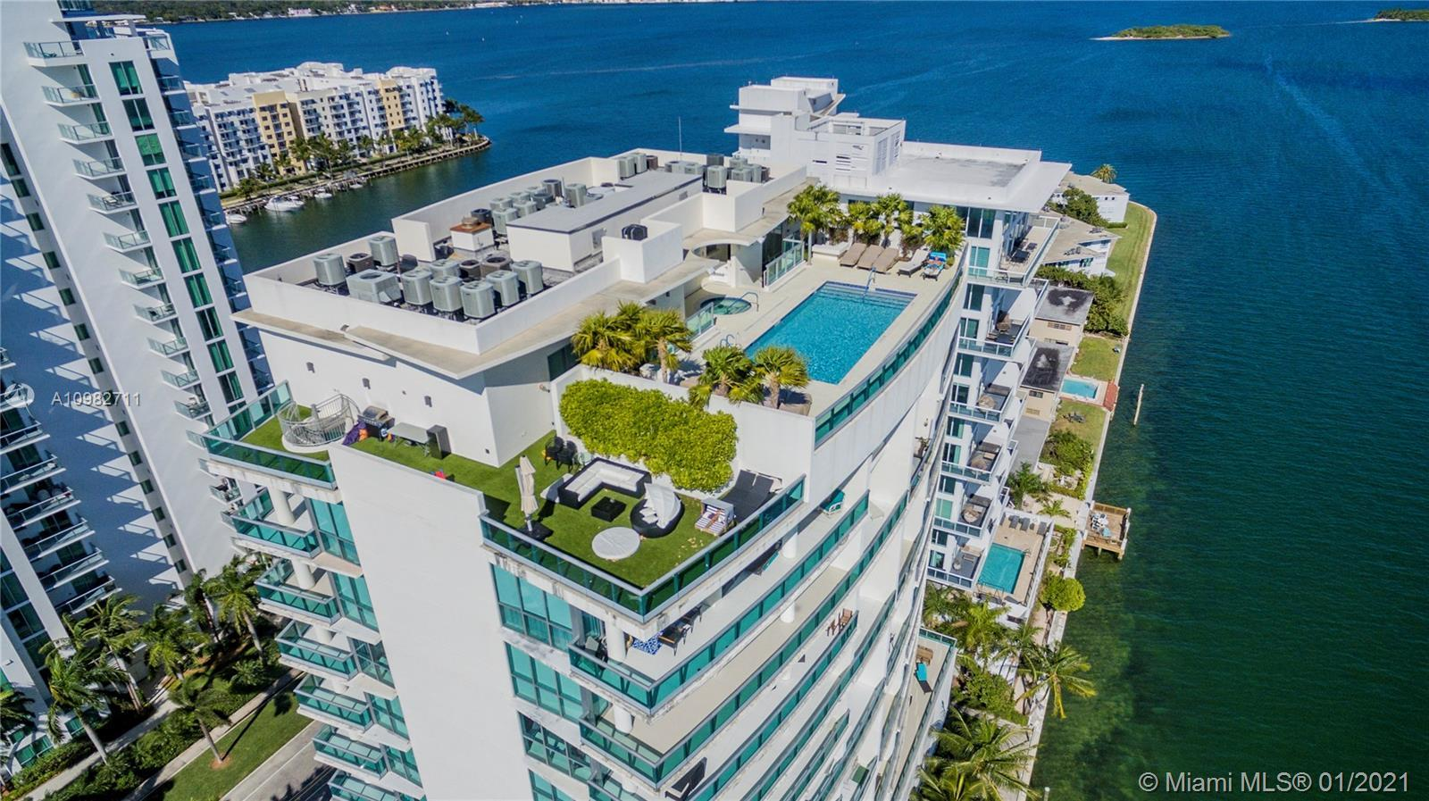 Stunning waterfront apartment with luxurious finishes and beautiful views of Biscayne Bay, Miami Bea