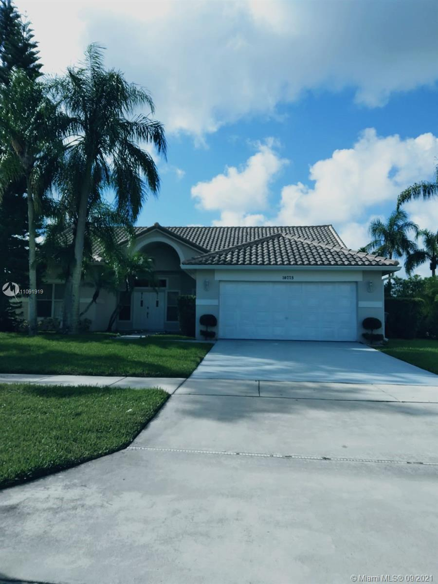 3 bedroom, 2 Bathroom Single Family home in Lakes of Boca Raton (one of Palm Beach County's most sou
