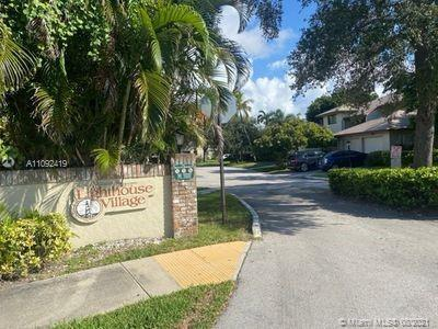 Lighthouse Village 2/2- 1 car garage. East side of town 1 mile from beach. Completely updated with r