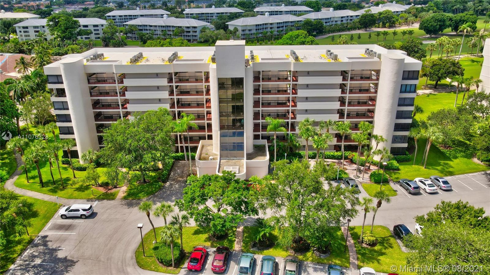 *Double Corner Unit* with Direct View of Jack Nicklaus Signature Golf Course.  Open Floor Plan with