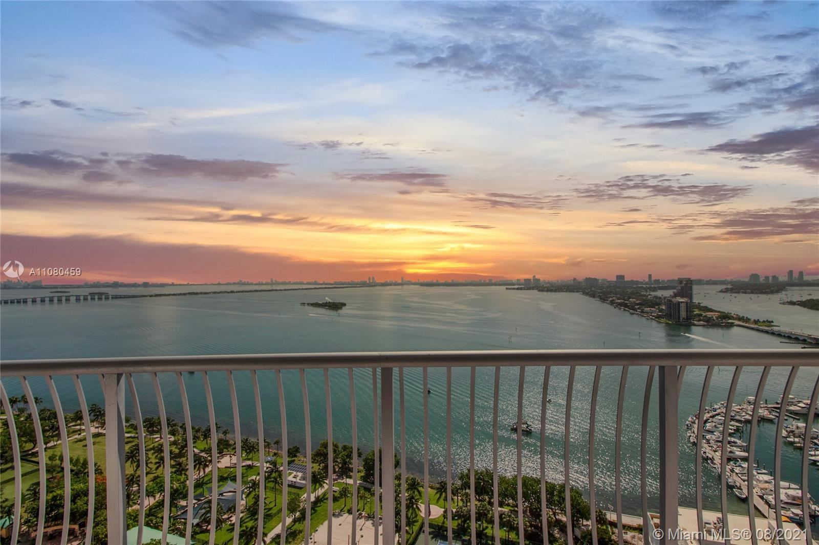 Seller Motivated, bring your offers.  Unit #  2901 has it all.  Enjoy it, Leave year around, Use it