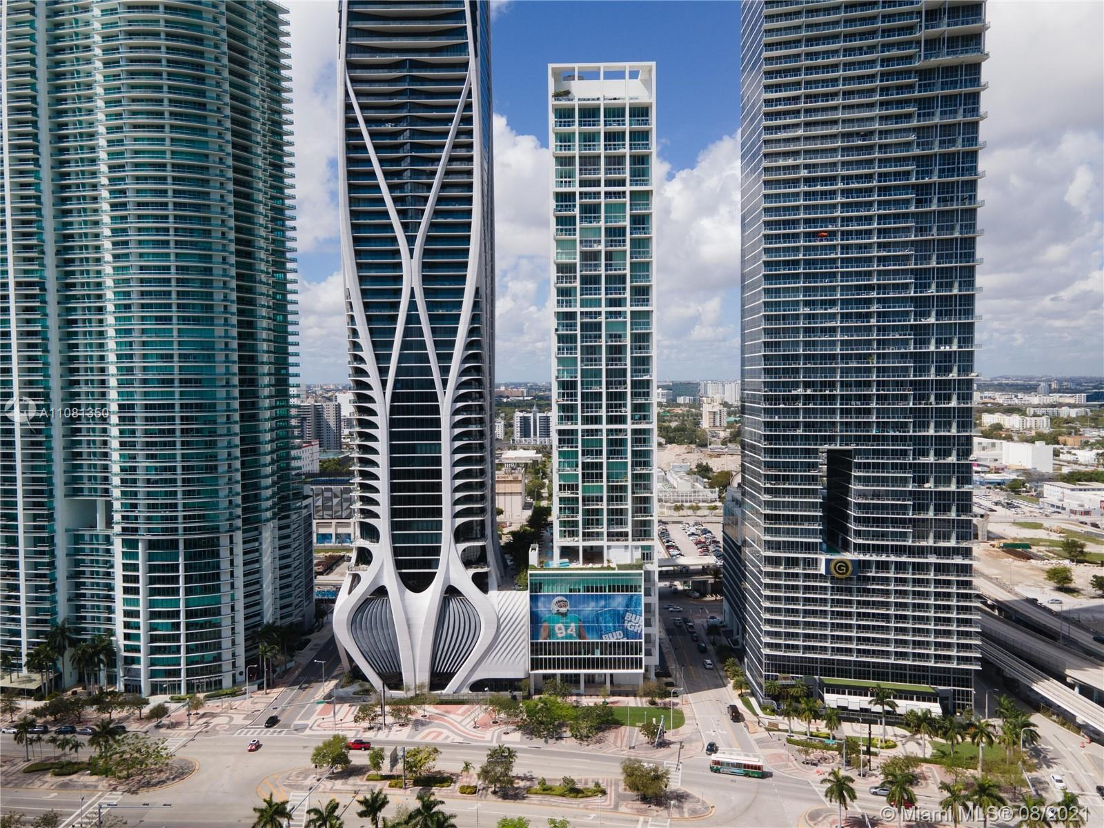 Cutting edge architecture, mesmerizing views and one of the best locations in town make 2403 a must