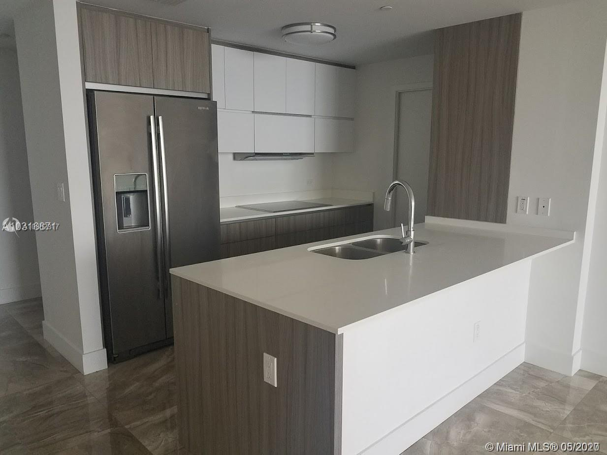 NEW CONSTRUCTION Direct Biscayne Bay Views Brand new 3 BED / 3 BATH condo, featuring Italian kitchen