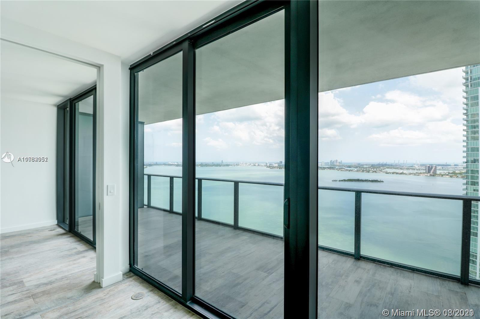 PARAISO BAY - NEW 1 BEDROOM 2 BATH PLUS DEN APARTMENT WITH DIRECT BREATHTAKING WATER VIEWS! WOOD LOO