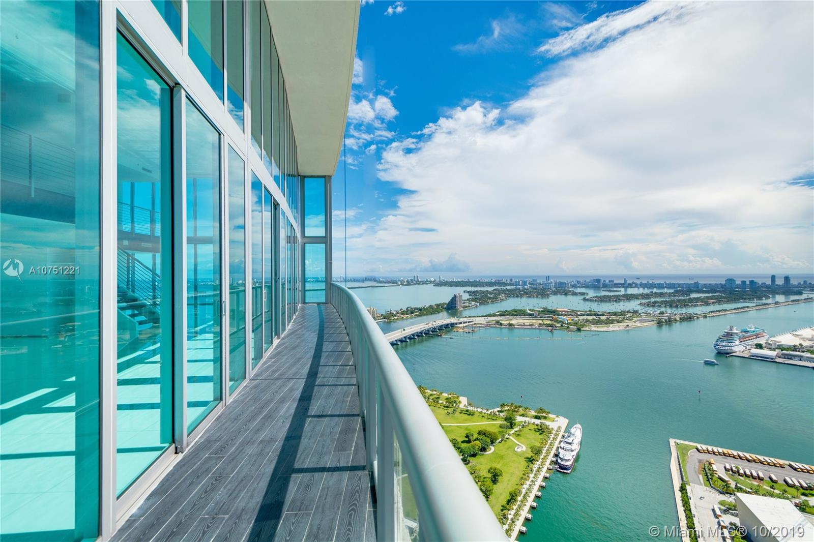 Penthouse was featured in the blockbuster movie Wardogs. Stunning Penthouse, Breathtaking Views. Ope