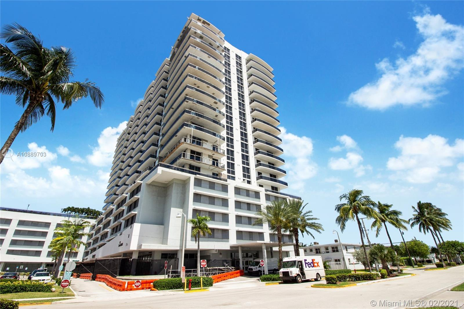 Gorgeous condo for sale on one of Miami's most beautiful islands. The Lexi's best & most desired uni