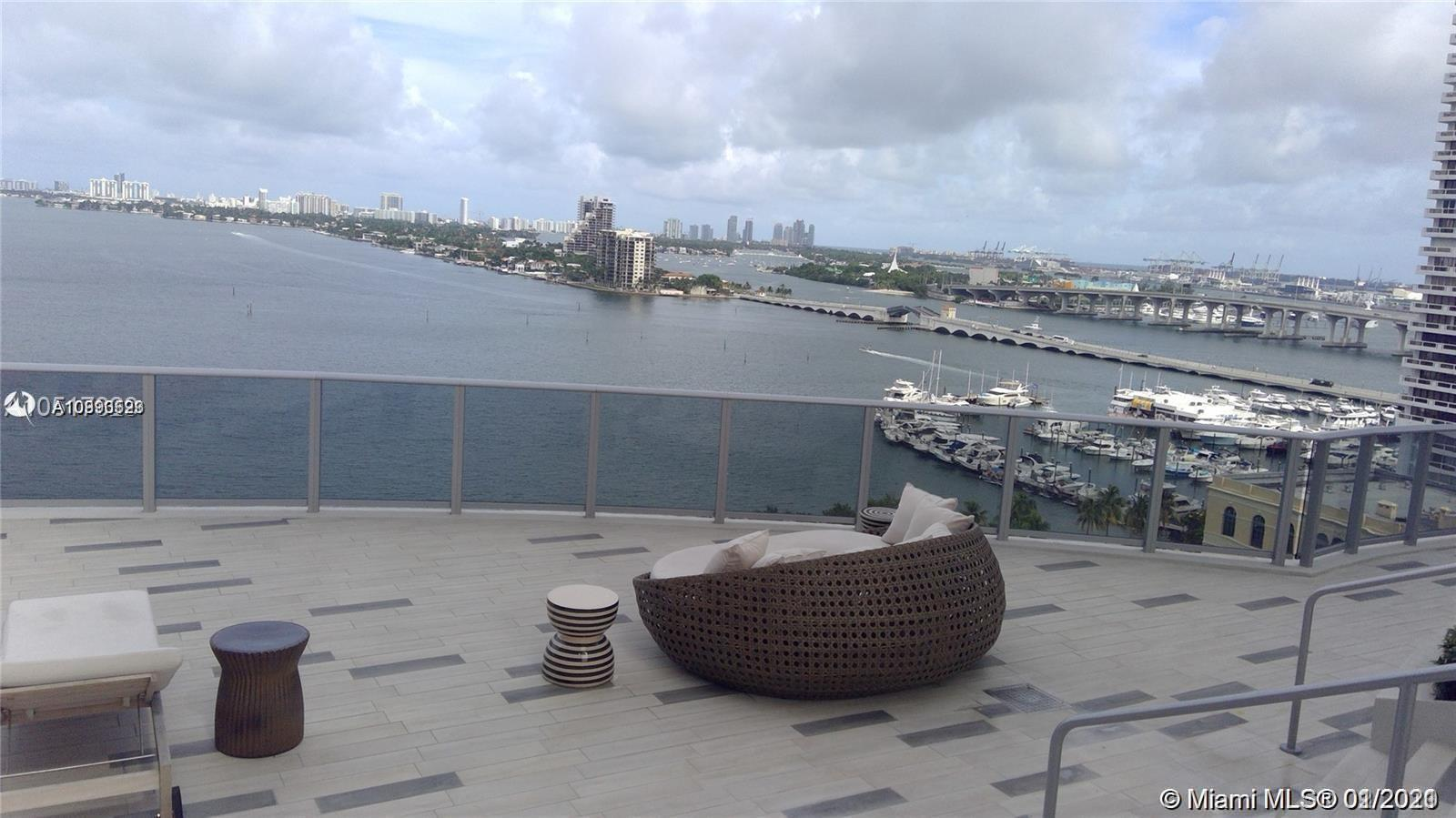 Spectacular View to the Bay, 1 Bed + DEN + 2 Full Baths with big Balcony, New Luxurious Building. Hi